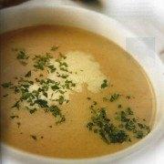 Deliciosa sopa de soja y algas marinas