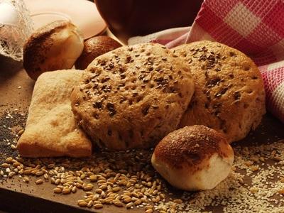 Panecillos de harina integral y semillas