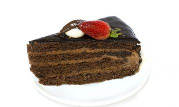 pastel chocolate-algarroba FOTOLIA