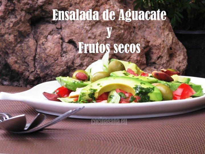 Ensalada de Aguacate y Frutos secos