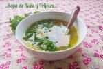 Sopa de Frijoles y Kale (berzas)
